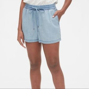 GAP pull on relax shorts